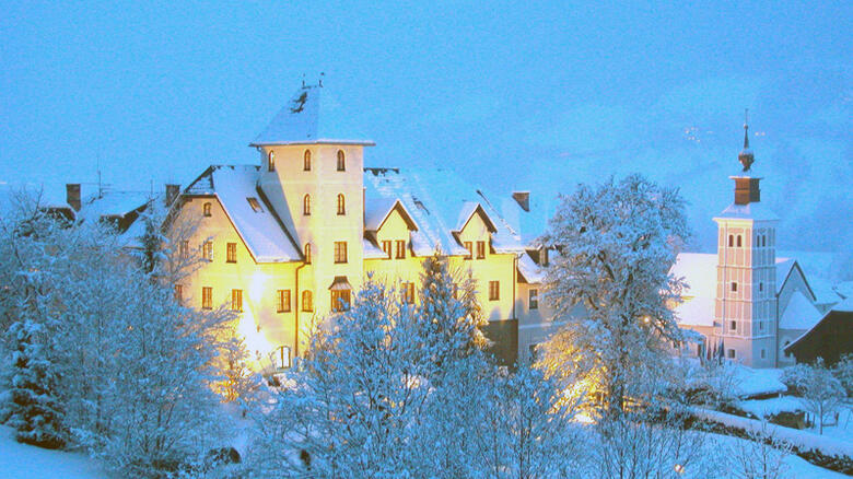 Skiing holidays - winter vacation at a fairy-tale castle in the Schladming-Dachstein region