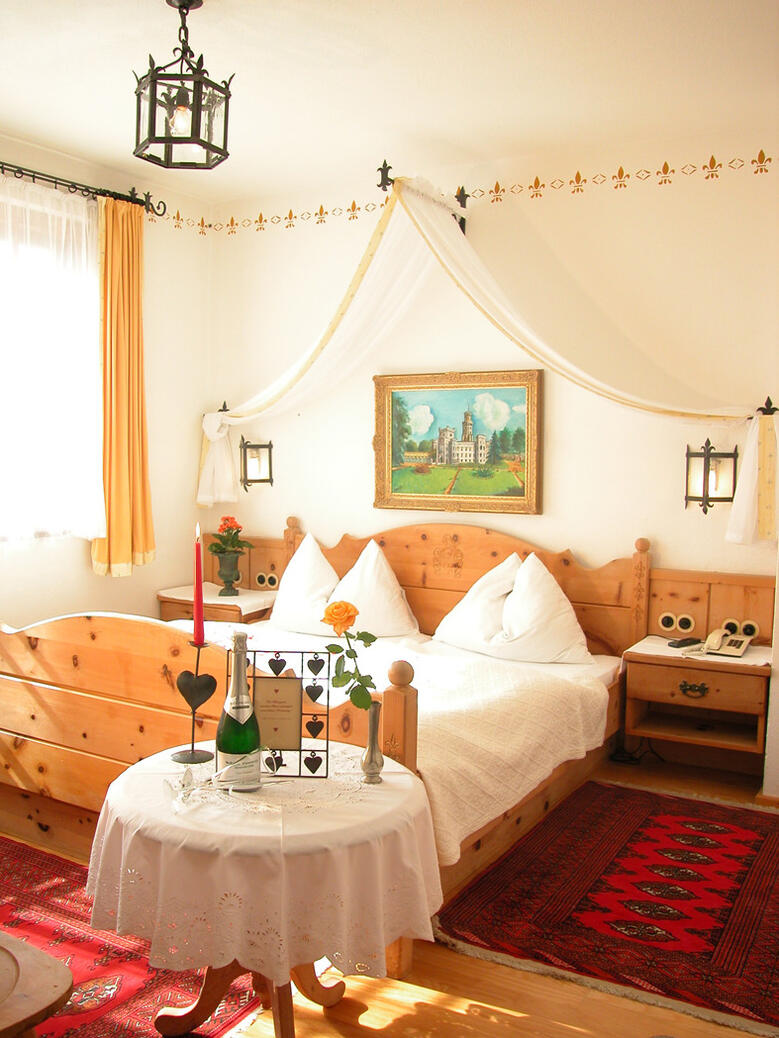 Romantic, lovingly furnished rooms