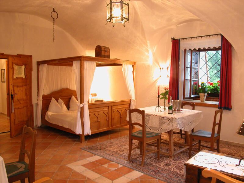 Romantic castle rooms for ski vacations in Ski amadé
